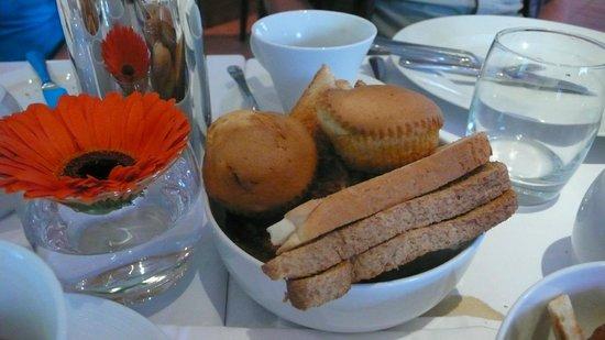 Ardeonaig Hotel: Granary Basket