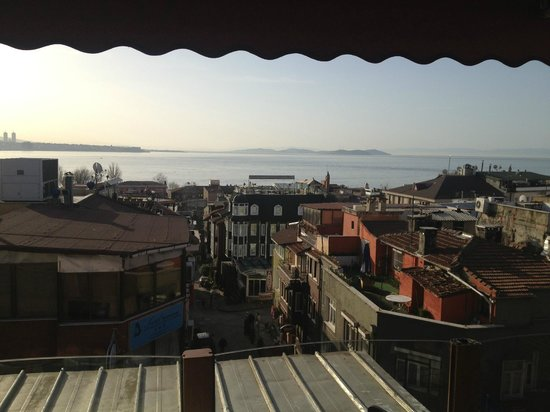Eski Konak Hotel: Vista mattutina sul Bosforo