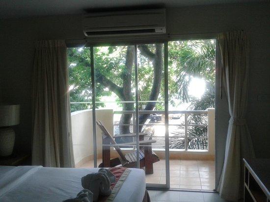 Bella Villa Prima Hotel: Вид на балкон, кондиционер