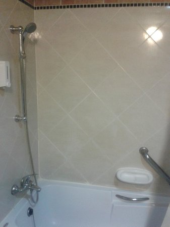 Bella Villa Prima Hotel: Ванная