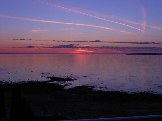 Breakers Resort - Lakeside: Sunrise from the balcony