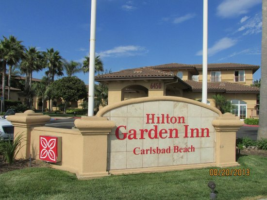 Hilton Garden Inn Carlsbad Beach: view of the hotel from across the street
