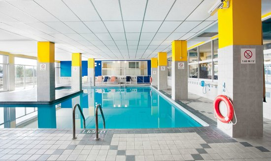 Sandman Hotel Montreal-Longueuil: Indoor Pool