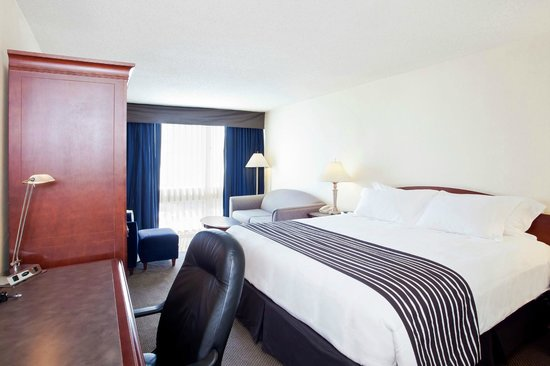 Sandman Hotel Montreal-Longueuil: Standard King