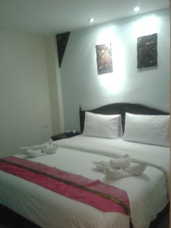 Chang Siam Inn : Кровать