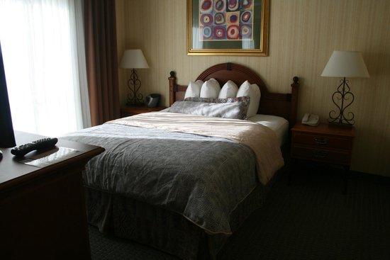 Hawthorn Suites by Wyndham Dallas Park Central : Zona dormitorio
