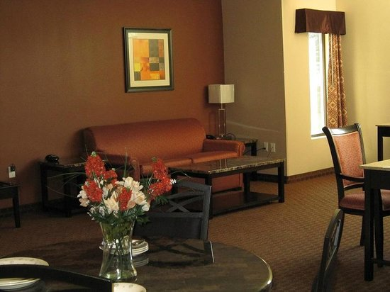 Red Carpet Inn and Suites : Suite
