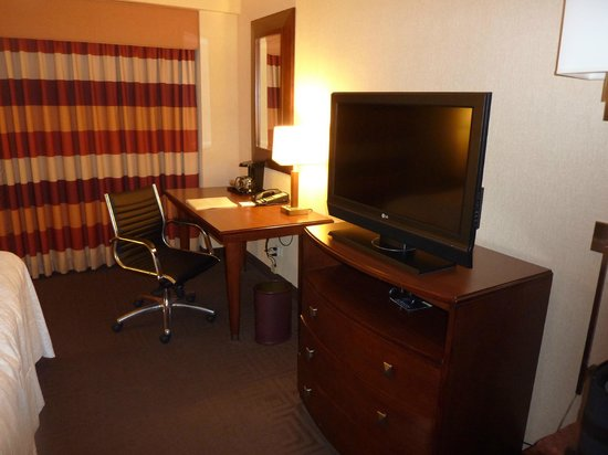 Hampton Inn Manhattan-Times Square North: I paid extra for the desk/seating area, well worth it