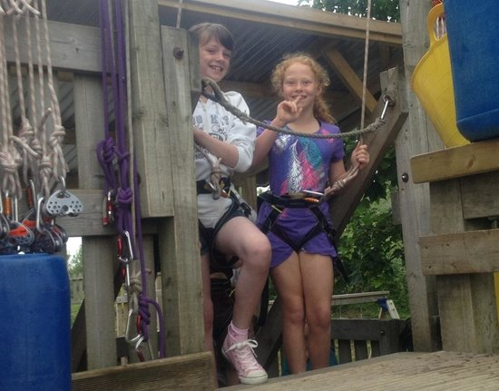 Adrenalin Quarry : Happy kids