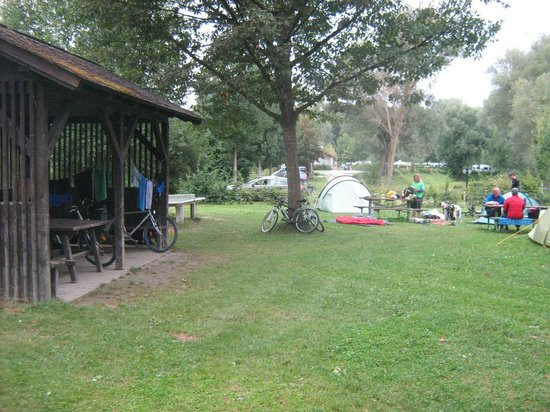Camping & Pension Au an der Donau: gazebo
