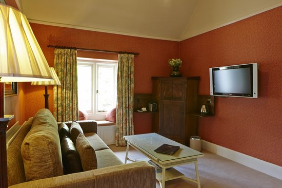 Cedar Manor Hotel and Restaurant : Orrest Head Suite - lounge