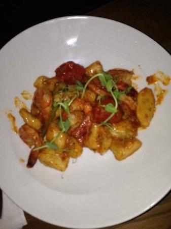 Night Kitchen: gnocchi con gamberetti pomodorini e cipolla. AMAZING