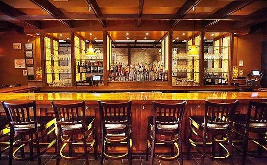 J rocco bar foto di j rocco italian table and bar for Table 52 chicago tripadvisor