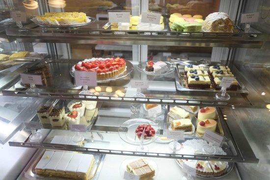 Ekberg - Fresh Cream Cake Counter