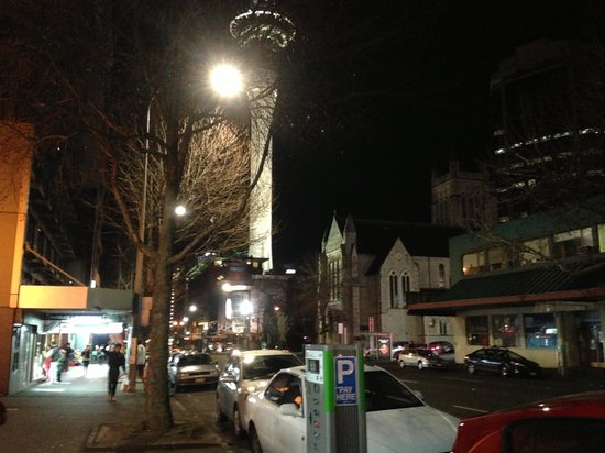 Auckland City Hotel-Hobson St : Skycity around the corner