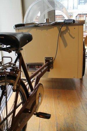 Brown's Boutique Hotel : A bike do Gelati