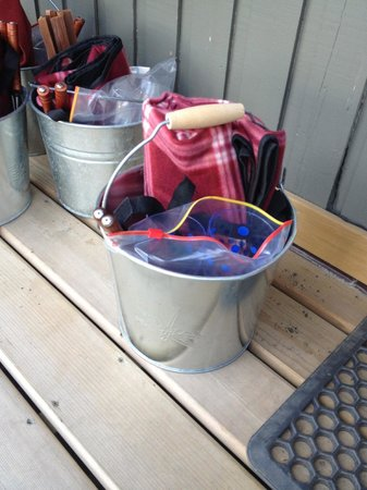 Driftwood by the Sea Inn and RV Resort: The buckets for fire making!!!