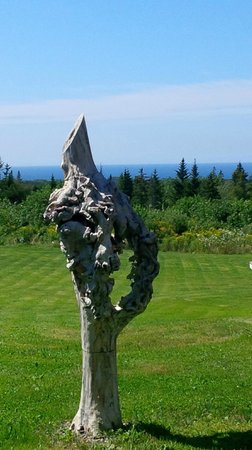 Doug Fraser Art Gallery and Sculptural Garden: Ocean view