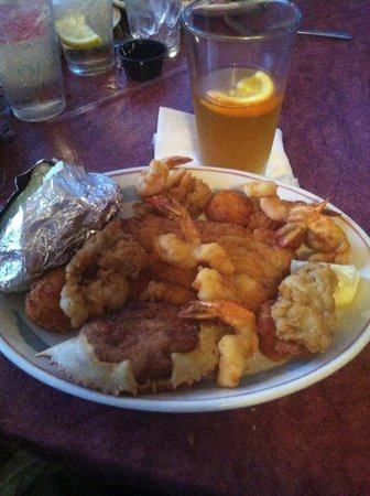 Lee's Inlet Kitchen : Fried seafood platter