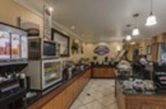 Baymont Inn & Suites Gainesville: Breakfast Buffet