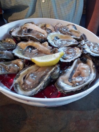 Skipper's Smokehouse: Oysters