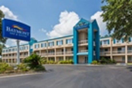 Baymont Inn & Suites Gainesville: Exterior Day