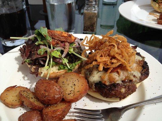 Bonita's Bistro: the burger