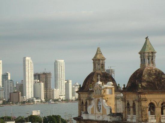 Movich Hotels Cartagena de Indias: Vista da piscina do hotel