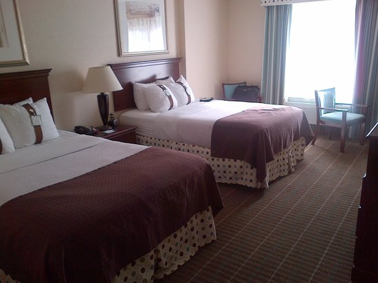 Holiday Inn Norton: Hotel room
