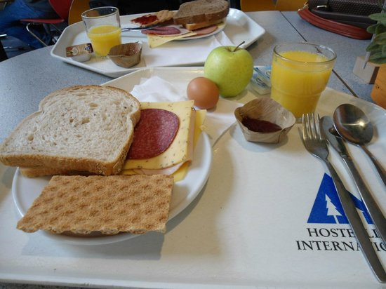 Stayokay Hostel Amsterdam Vondelpark : Café da manhã caprichado