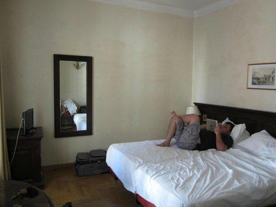Hotel Cinquantatre: A general view of the room (bare decor)