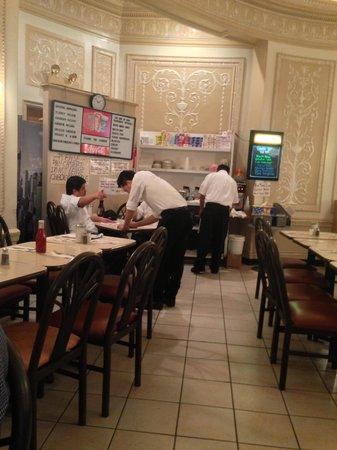 Cafe Edison : Péssimo Atendimento - Lousy Service