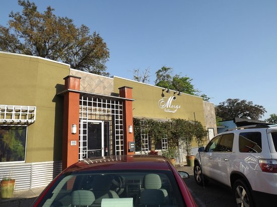 Merge Restaurant: Front of the outside