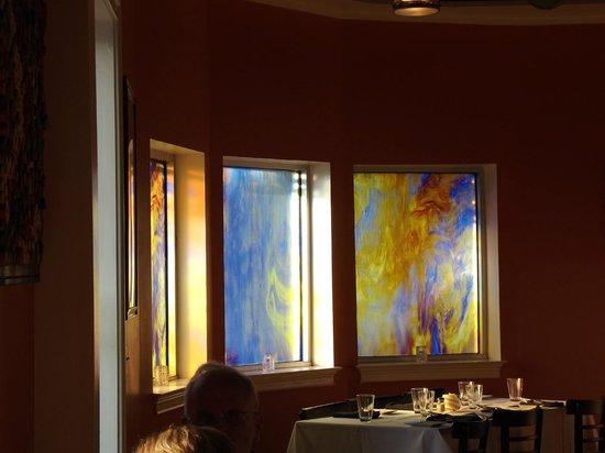 Merge Restaurant : Pretty glass windows