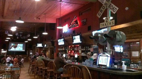 Central Station Bar & Grill: Bar and Bar eating area
