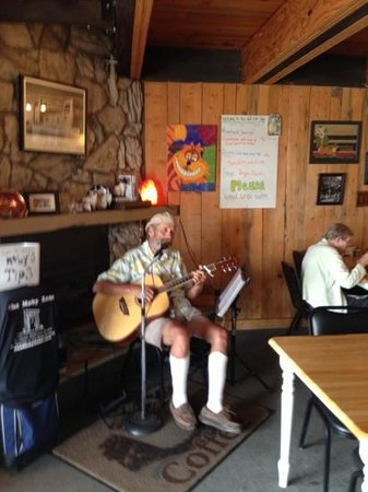Fat Cat Cafe: great meal and great tunes!