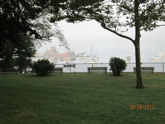 Battery Park: view from the park on a foggy morning