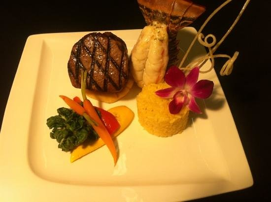 Delicious Steakhouse : surf and turf
