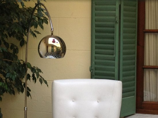 Krista Hotel Boutique: patio interno