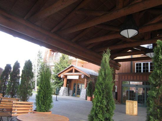 Heathman Lodge: Heathman Entrance