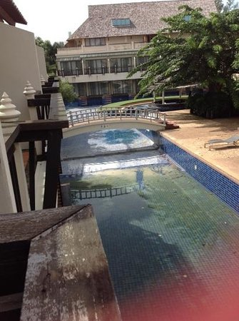 Cha-Da Beach Resort & Spa: the big Pool is closed