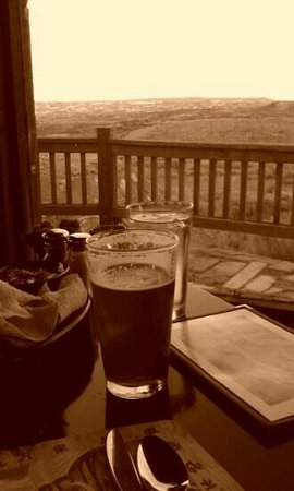 The Rim Rock Restaurant : Cheers!