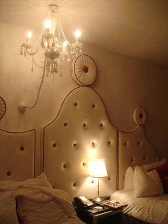 Whitelaw Hotel: First Floor Room