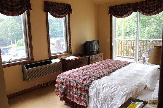 Le Grand Lodge Mont-Tremblant: Master bedroom in suite 334