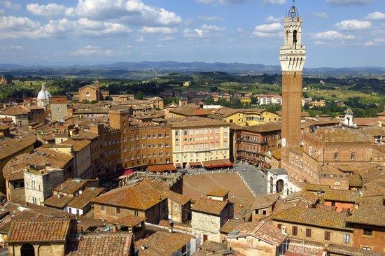 Campo Regio Relais : View of Piazza del Campo