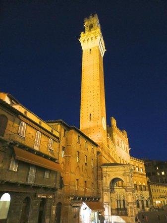 Campo Regio Relais : Torre di Mangia