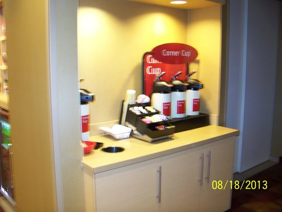 TownePlace Suites Fort Wayne North : Coffee available in lobby throughout the day
