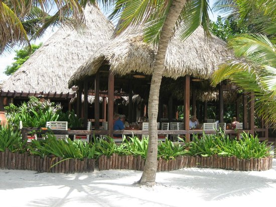Ramon's Village Resort: restaurant