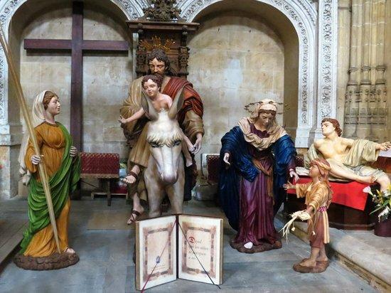 Old Cathedral (Catedral Vieja) : Pormenores do interior da Catedral