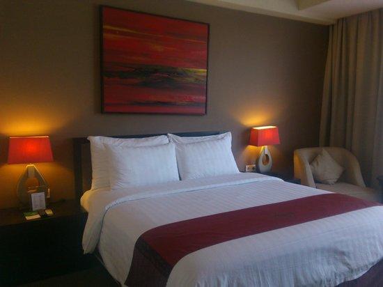 100 Sunset Hotel Managed by Eagle Eyes: Bed